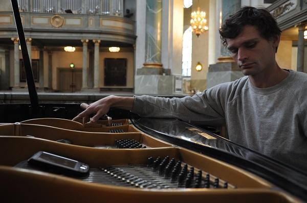 Dag stämmer piano
